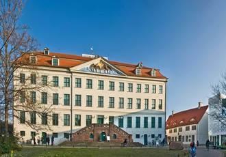 Franckeplatz mit Historischem Waisenhaus, Foto: Ingo Gottlieb
