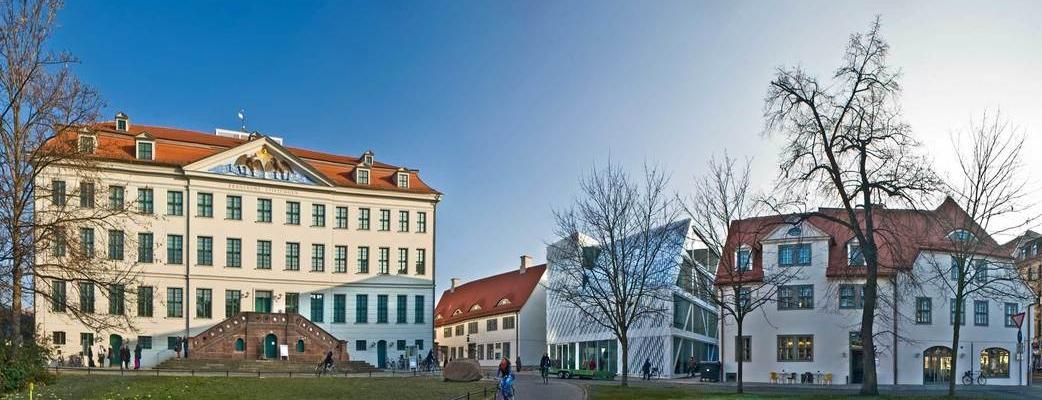 Franckeplatz mit Historischem Waisenhaus
