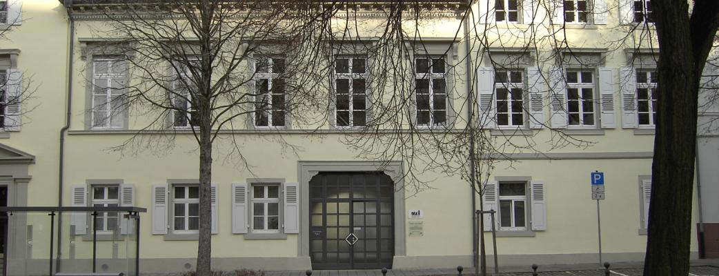 Alte Karlburg Durlach, heute Sitz des Max-Reger-Instituts