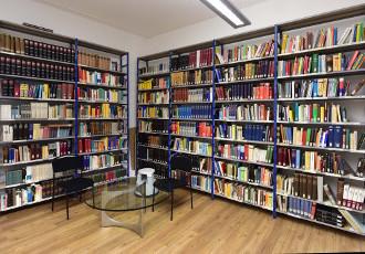 Gesellschaft für deutsche Sprache Wiesbaden: Bibliothek, Foto: Joachim Sobek